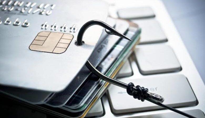 كيفية منع سرقة معلومات بطاقات الائتمان